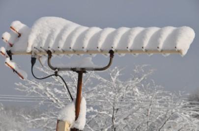 アンテナの上に積もった雪DSC_0452.jpg