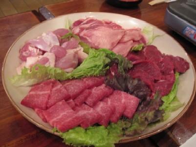 楽しい煉屋 北海道産肉100%使用.jpg