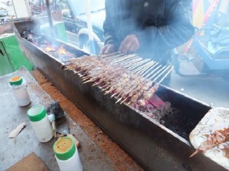2012.0115羊肉の串焼き2 DSCF1738.jpg